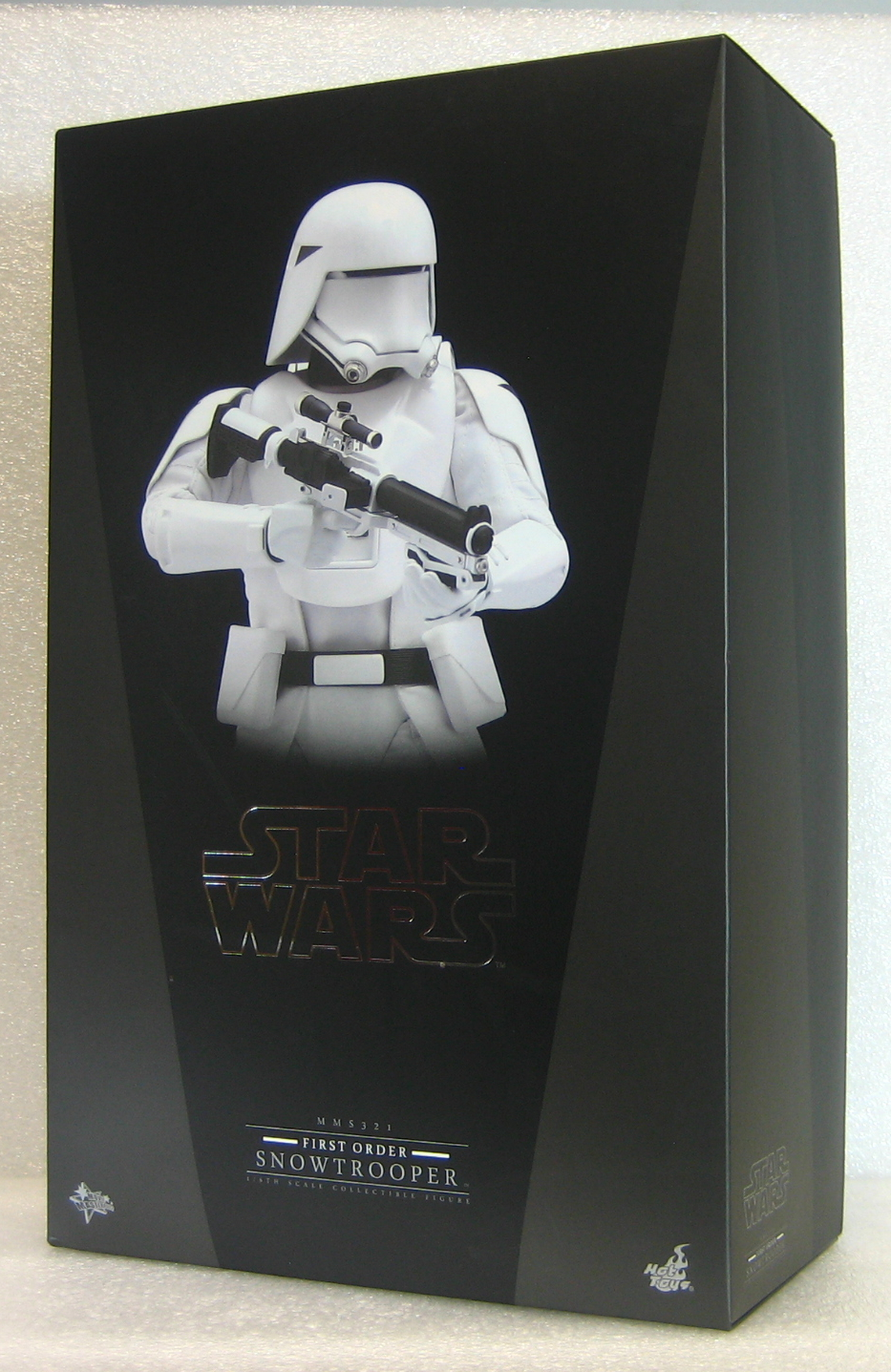 hot toys star wars first order snowtrooper