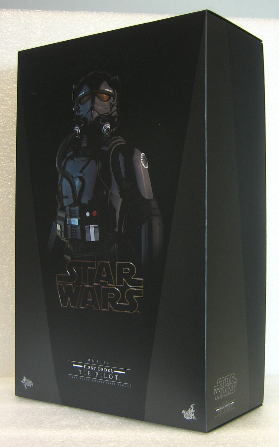 star was hot toys first order tie pilot