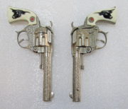 hubley tex cap gun set with belt and holsters 3