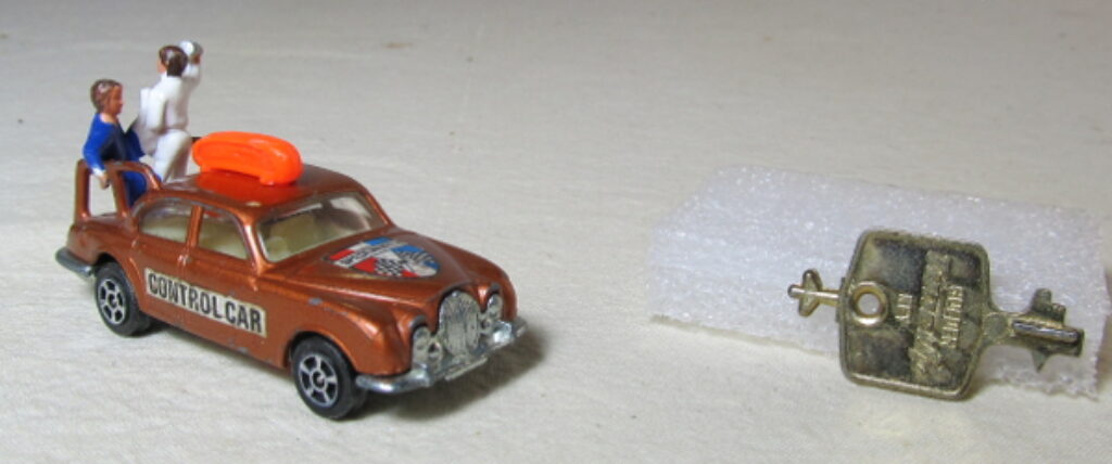 corgi rockets jaguar pace car 1