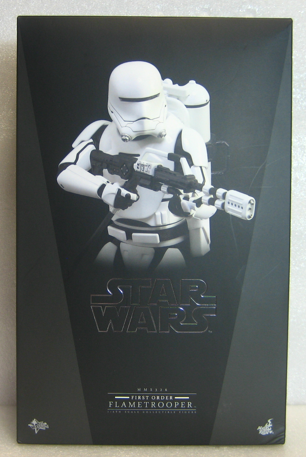 Hot Toys Star Wars First Order Flametrooper 1:6 Scale Figure