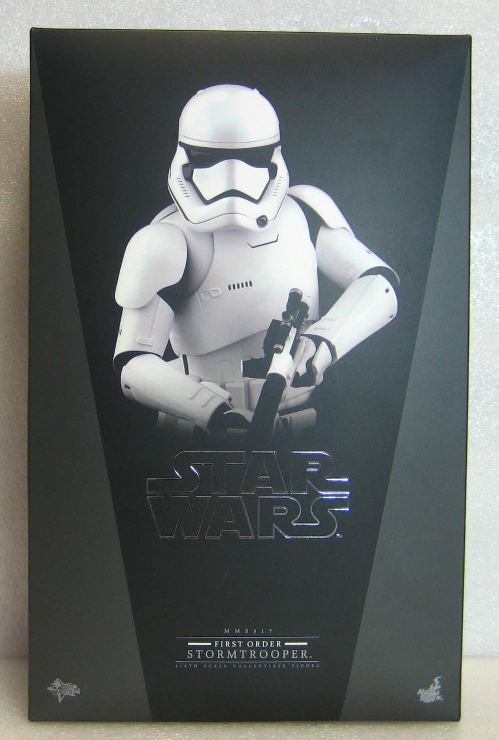 Hot Toys Star Wars First Order Stormtrooper 1:6 Scale Figure