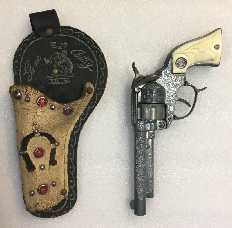"1940 hubley texan 9"" cap gun 1"