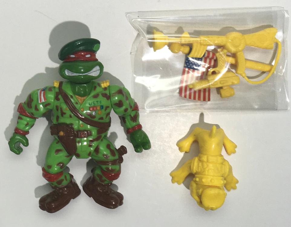 TMNT Raph the Green Teen Beret Action Figure 1