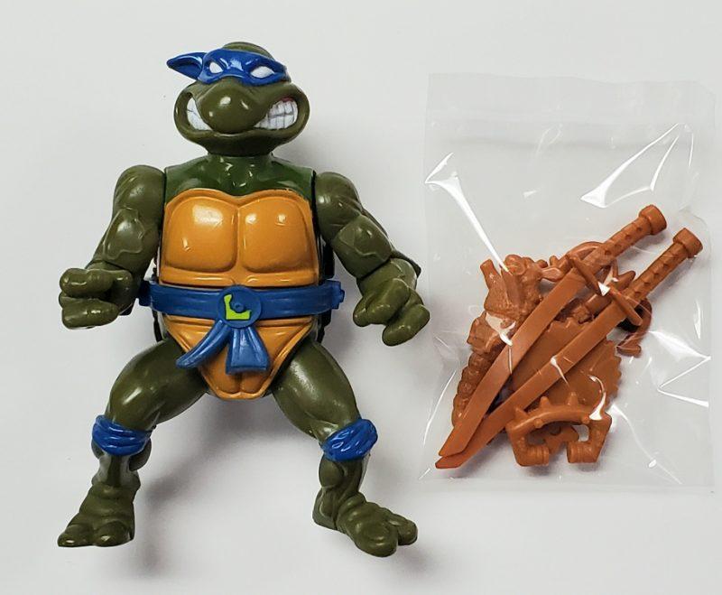 TMNT Leonardo with Storage Shell Action Figure 1